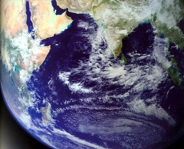 Вид на Землю из космоса. Индийский океан.